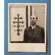 Pierre Viénot, député des...