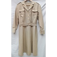REPRODUCTION ROBE TENUE DE...