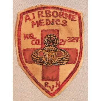 INSIGNE AIRBORNE MEDICS HQ CO. 2/327 RVN US VIETNAM