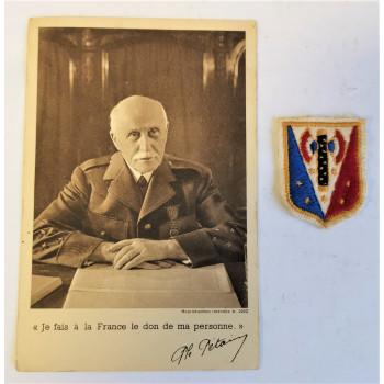 LOT CARTE POSTALE + INSIGNE MARECHALISTE ETAT FRANCAIS 1940-1944