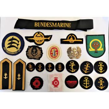 LOT DE 22 INSIGNES MARINE DE GUERRE ALLEMANDE BUNDESMARINE U-BOOT KAMPFSCHWIMMER